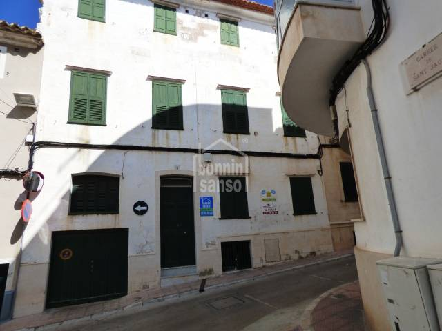 Historic townhouse in the centre of Mahon
