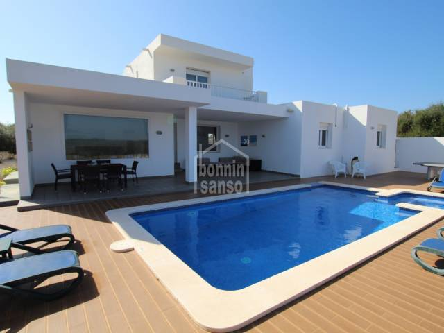 Modern villa with TOURIST LICENSE and superb country views in Binibeca, Menorca