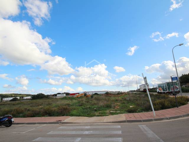 Building plot on the industrial estate of Alayor, Menorca.