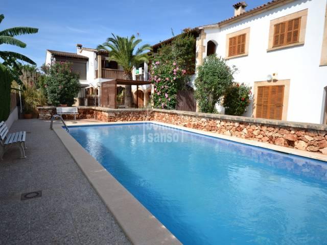 Impecable Casa adosada con piscina en Sa Coma, Mallorca