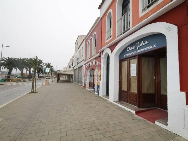 EN TRASPASO. Restaurante en el puerto de Mahón, Menorca.