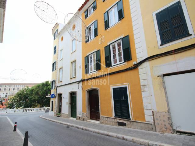 Town House in Mahon with Commercial Premises in Menorca.