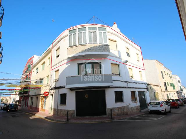 Second floor apartment without elevator in need of total refurbishment. Mahón,  Menorca