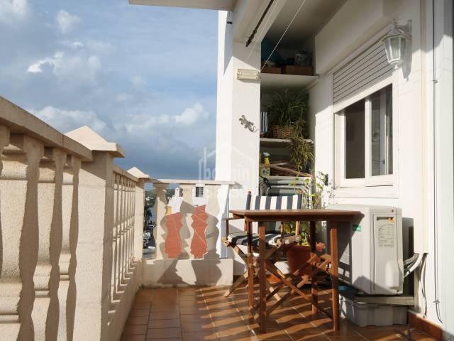 Bonito apartamento/piso con vistas al puerto en Es Castell