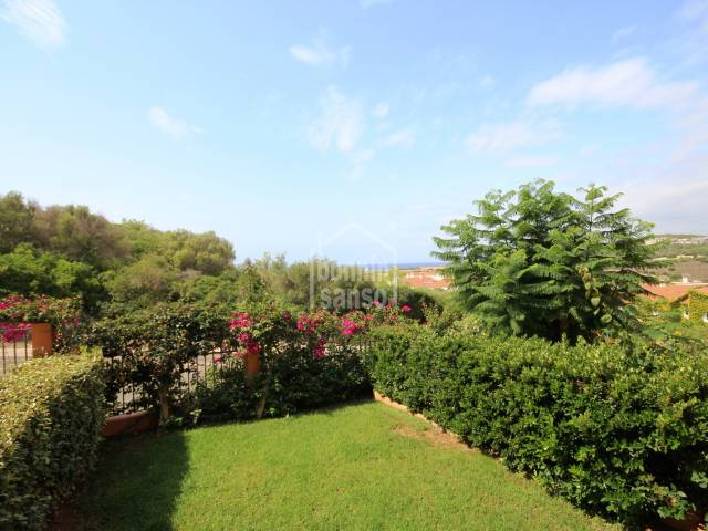 Apartamento en planta baja con vista panorámica, cerca de la playa de Son Bou Menorca