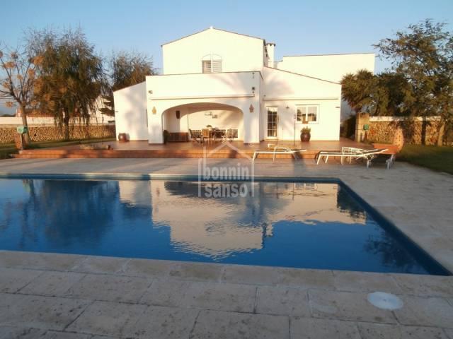 Beeindruckendes modernes Landhaus Llumesanas Menorca