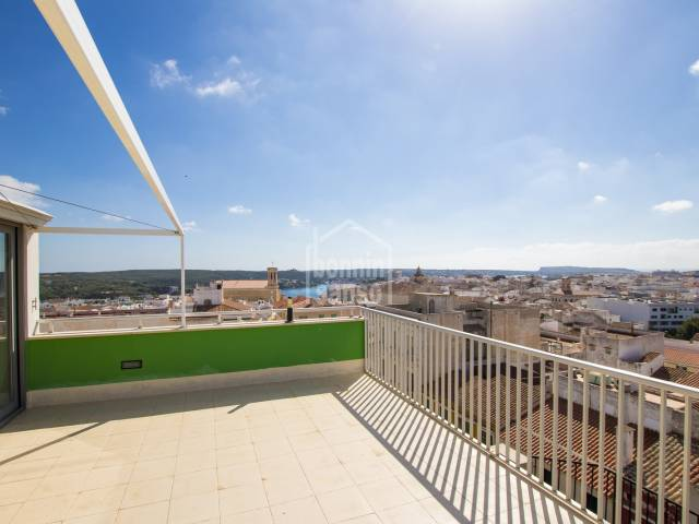 Penthouse for rent, with large terrace and panoramic views of Mahón, Menorca.