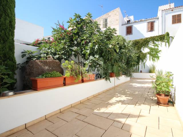 Charming ground floor apartment with large patio in Ciutadella, Menorca.