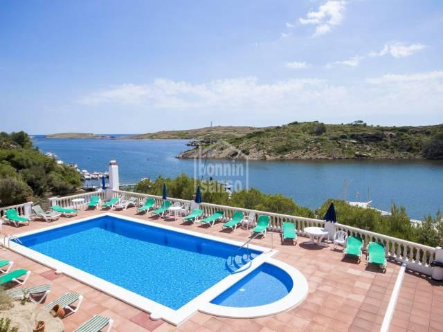 Coqueto apartamento tipo duplex con vistas al mar en Addaya, Menorca