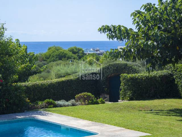 Villa with sea views and large garden of nearly a thousand m2 in Binibeca Vell in Menorca